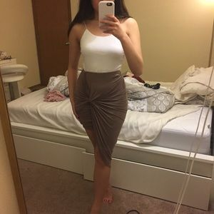 Knotted ruched mauve pencil skirt